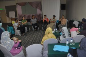 group-discussion-imam-humanitarian